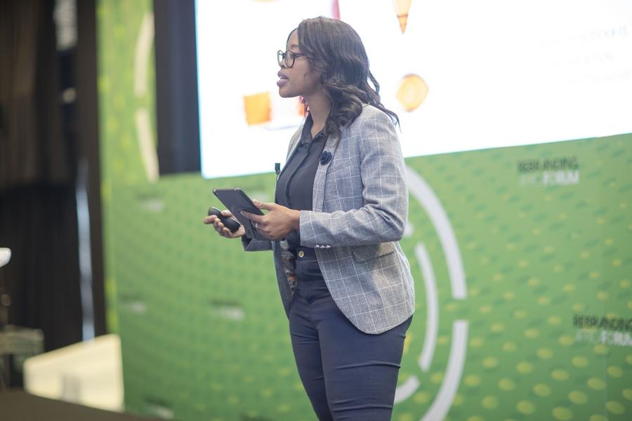 Kgatlhanye THATO- Innovator Projet REPURPOSE SCHOOLBAGS (Afrique du Sud)