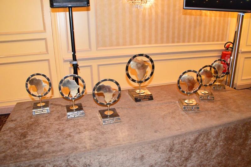 Les Awards